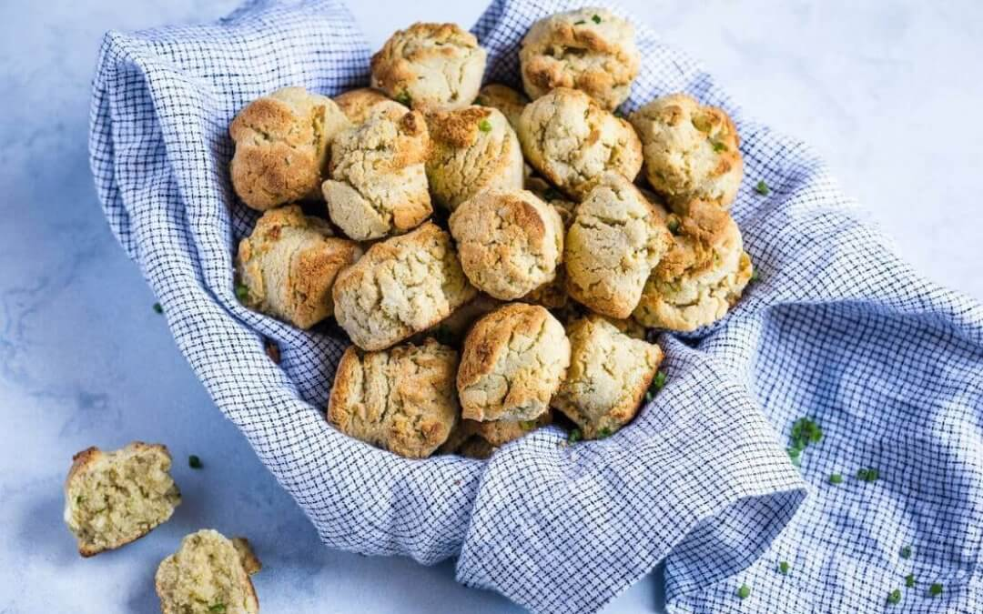 Lectin-Free Bread Recipe: Garlic Cheddar Biscuits